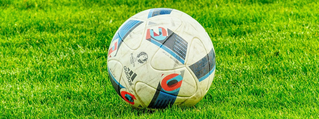 Fußball auf Rasen, Sportwetten mit Bet365 und Bonus